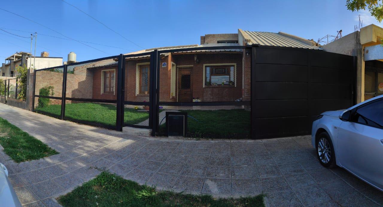 Casa en venta de 3 Dorm. B° San Lorenzo – Cipolletti